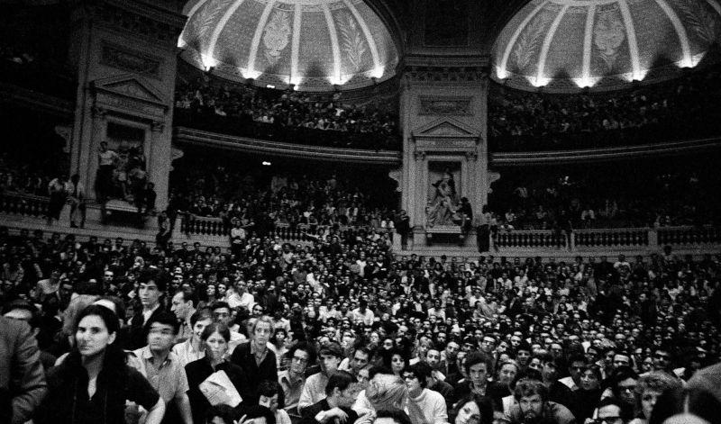 Réunion conspirative dans le Grand Amphithéâtre de la Sorbonne - 28 mai 1968